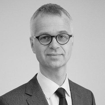 Roger Fayet, PD. Dr